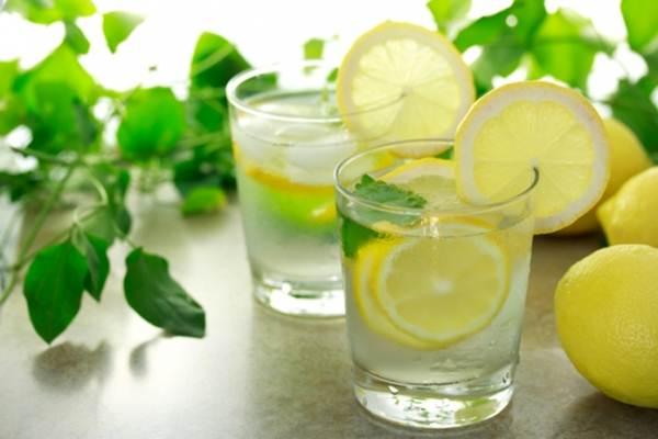 agua com limao para emagrecer