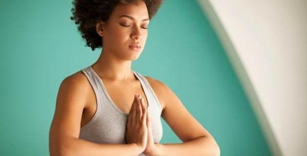 Cinco posições básicas de yoga