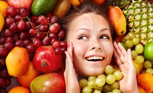 Seguir uma dieta saudável ajuda a ter uma pele mais bonita