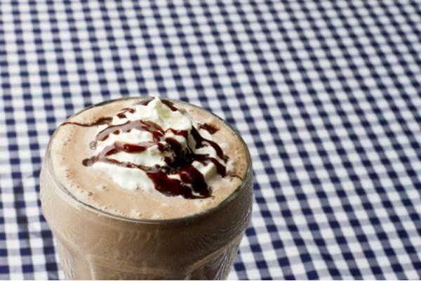 milkshake de chocolate saudavel
