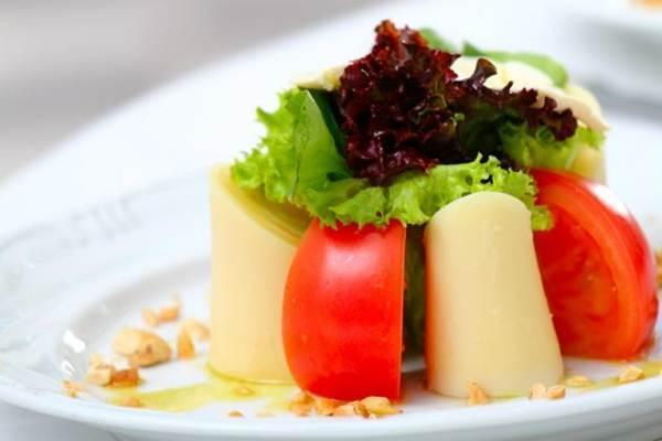 salada de palmito e queijo parmesao