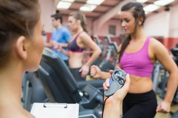 rotina de exercícios para mulher