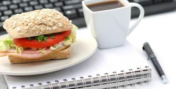 Dá para fazer uma dieta saudável durante o trabalho?