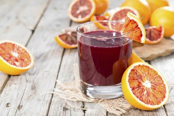 sucos de frutas ou frutas inteiras