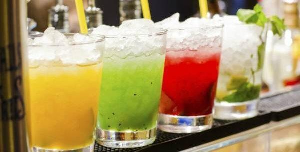 Perigos de combinar bebidas light com álcool