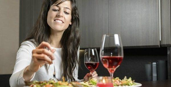 Conheça 4 benefícios de jantar e surpreenda-se