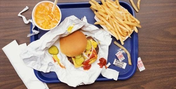 Como comer em restaurantes de fast-food sem engordar