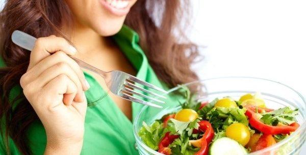 Os melhores alimentos para comer a noite e manter o peso
