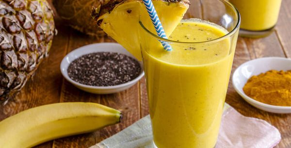 Batida de abacaxi e semente de chia para perder peso