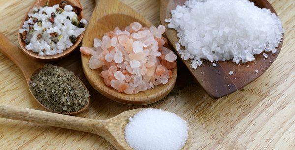 Conheça os ricos e benefícios do cloreto de sódio