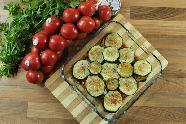 abobrinha saute e tomates